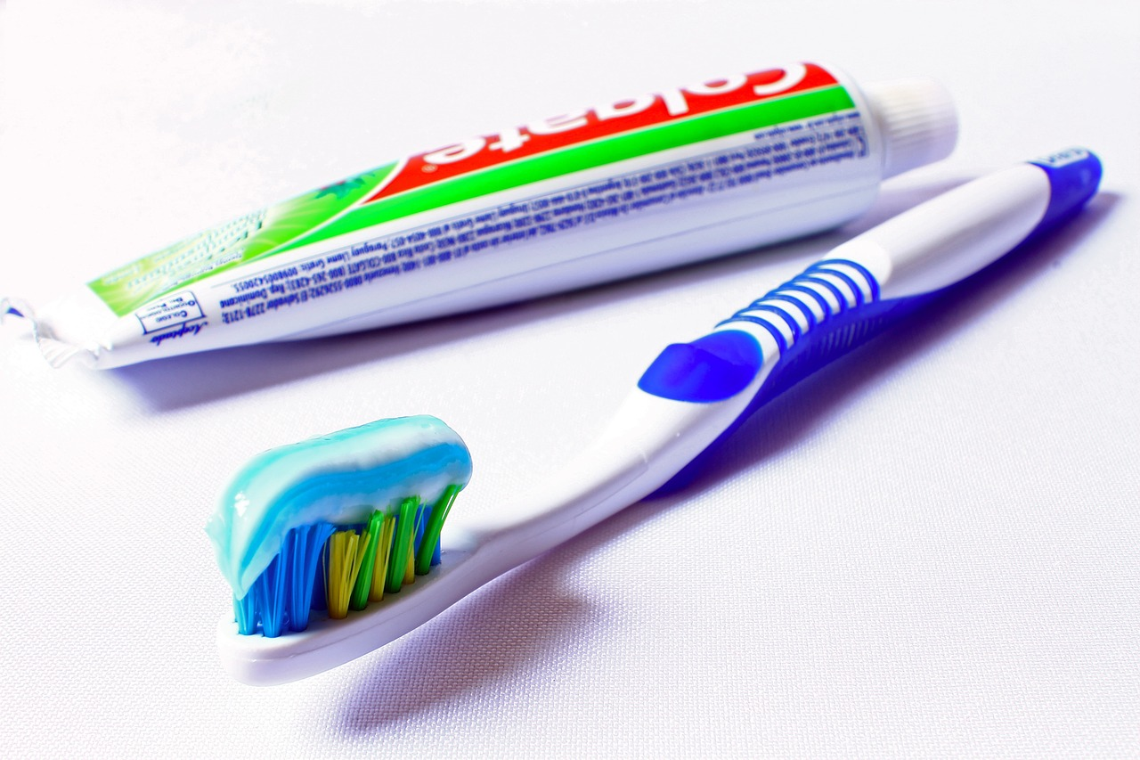 Brushing or Flossing: Which Comes First?