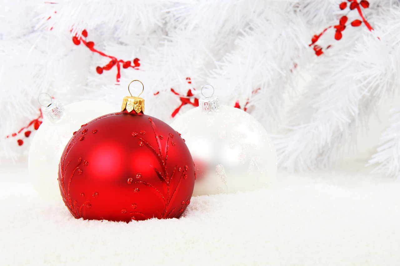 Restore Your Smile This Holiday Season with Custom Dentures