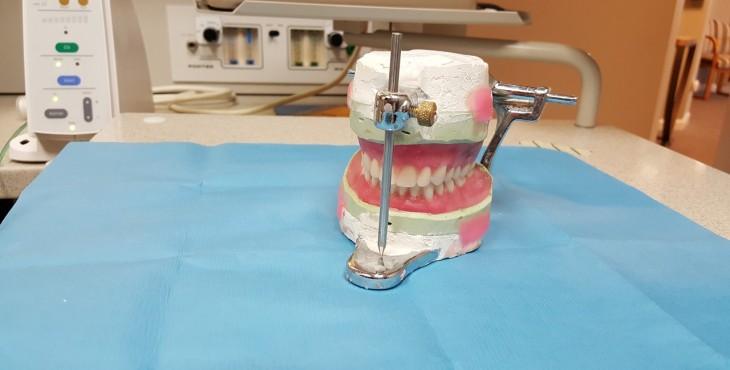 dentist-1012276_1280