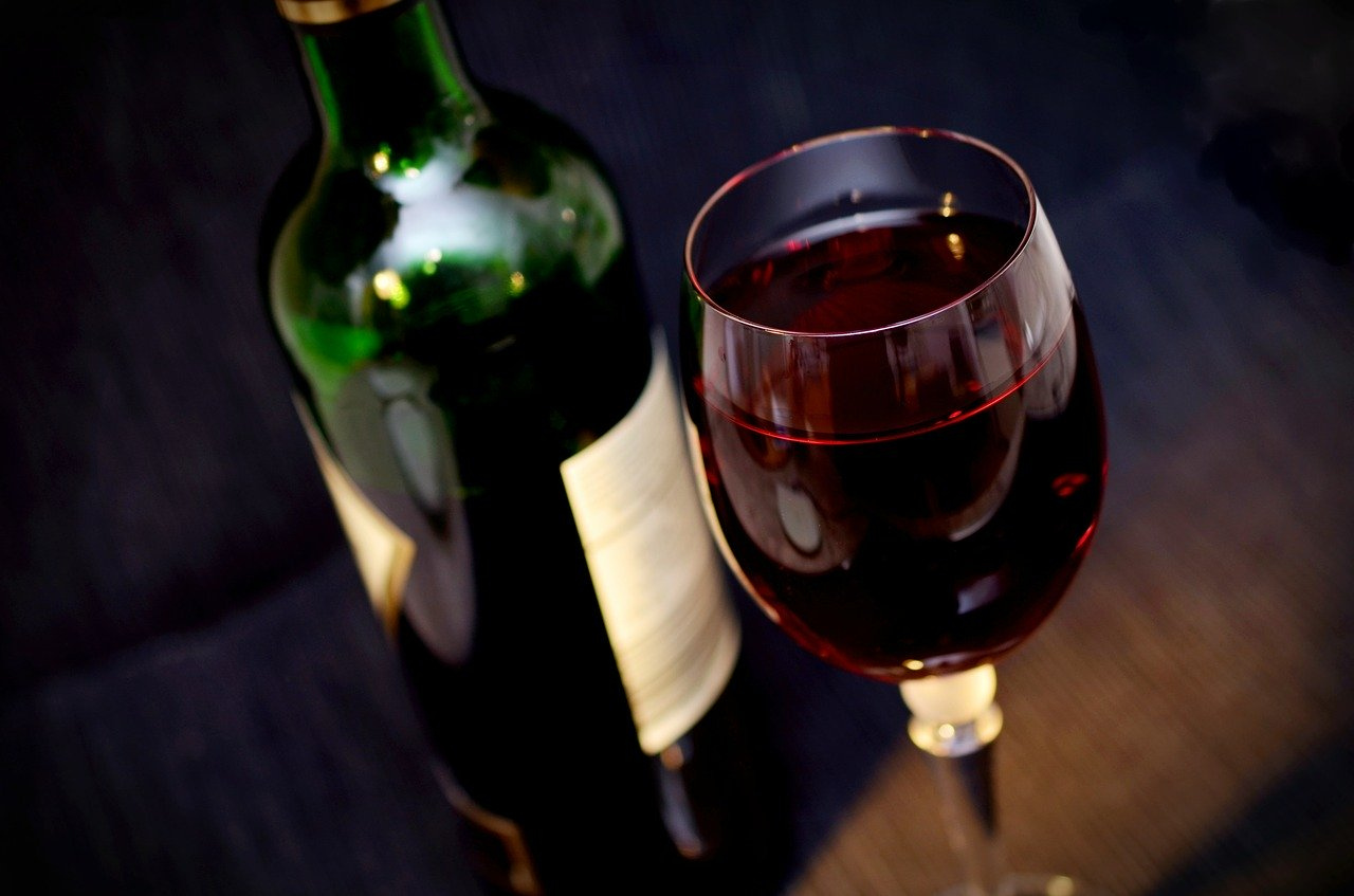 What Exactly Causes Wine to Stain Teeth?