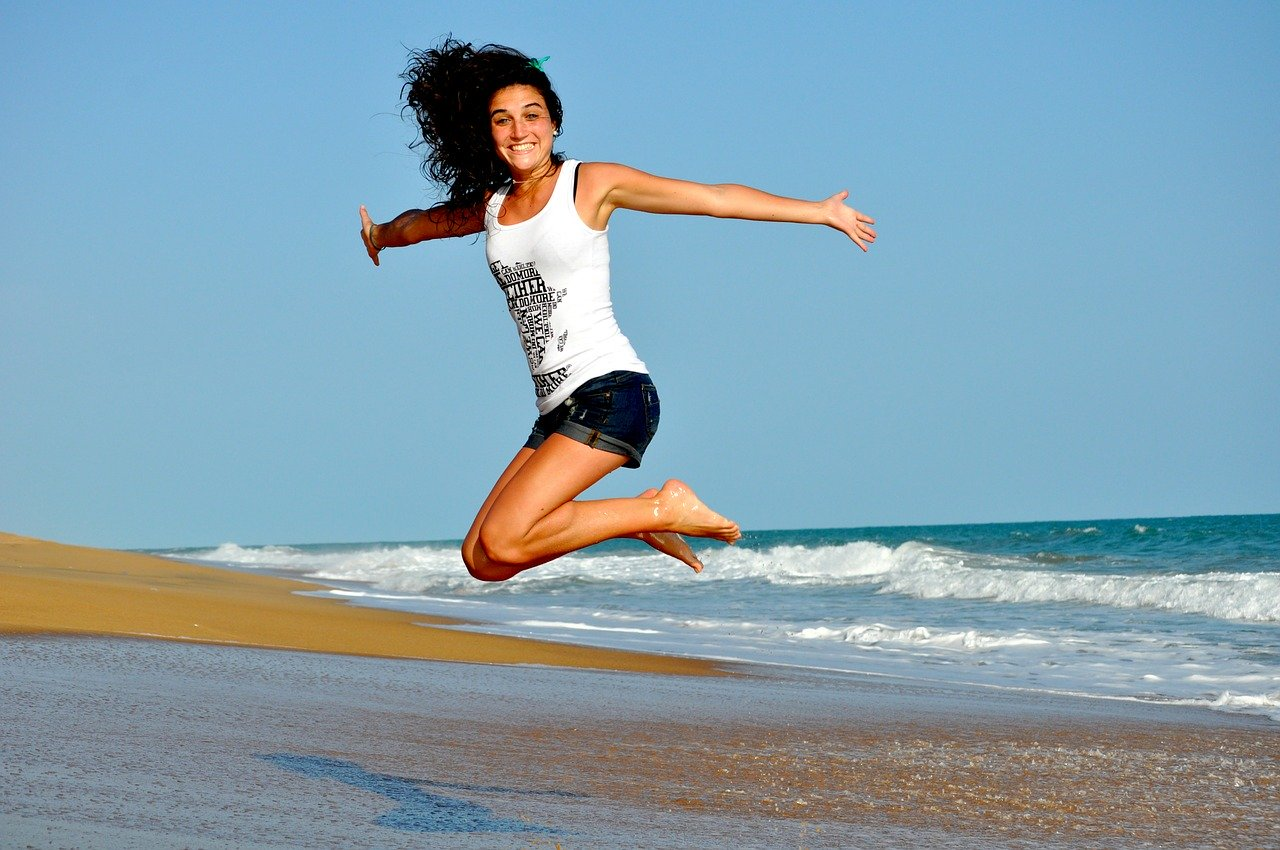 Keeping Your Smile Healthy This Summer (On the Go!)